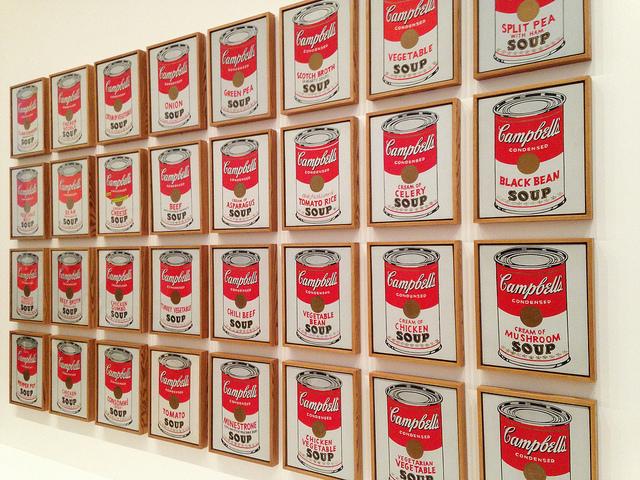 Andy warhol nel 1962 la mostra dei barattoli della for Barattoli di zuppa campbell s