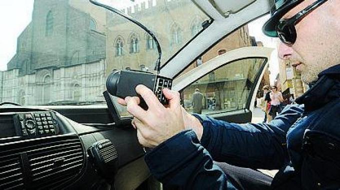 Come funzionano i nuovi autovelox senza cartello di preavviso
