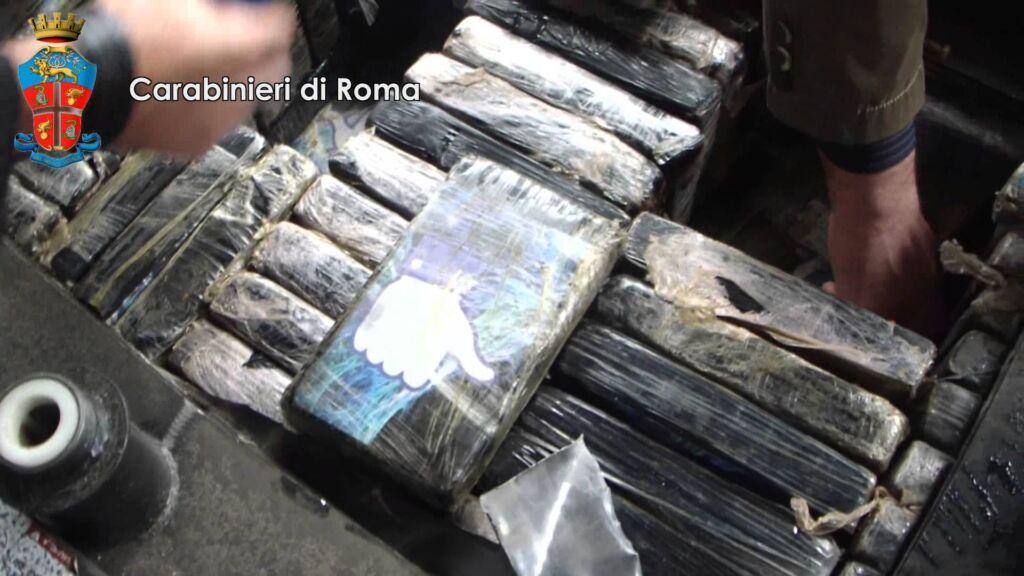 Sequestrati 600 chili di cocaina a sud di roma video - Porta portese sud ...