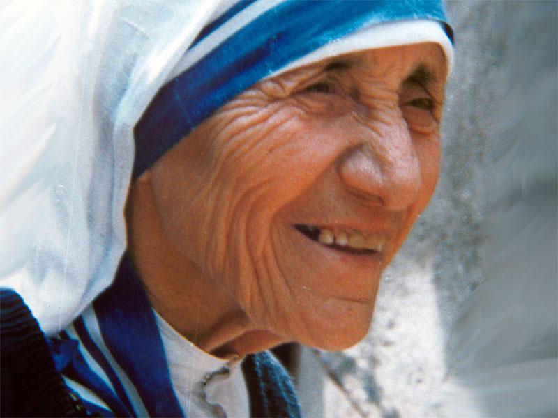 Pizza napoletana offerta dal Papa per festeggiare Madre Teresa di Calcutta