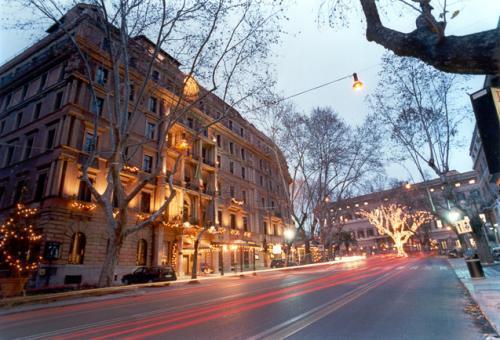 Allarme bomba all 39 ambasciata usa di via veneto ecco cosa - Allarme bomba porta di roma ...