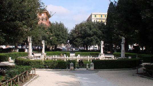piazza mazzini pulizia straordinaria della fontana e area On piazza mazzini roma