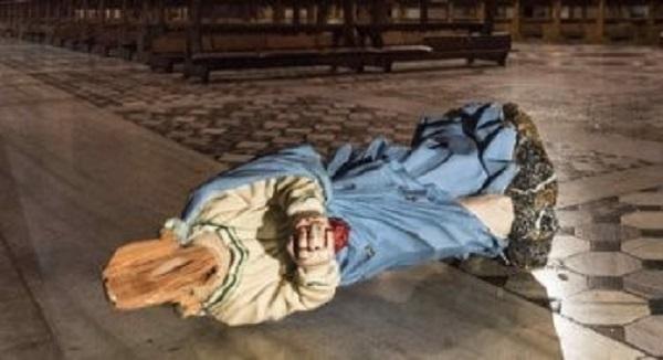 Danneggiate due statue nella basilica di Santa Prassede