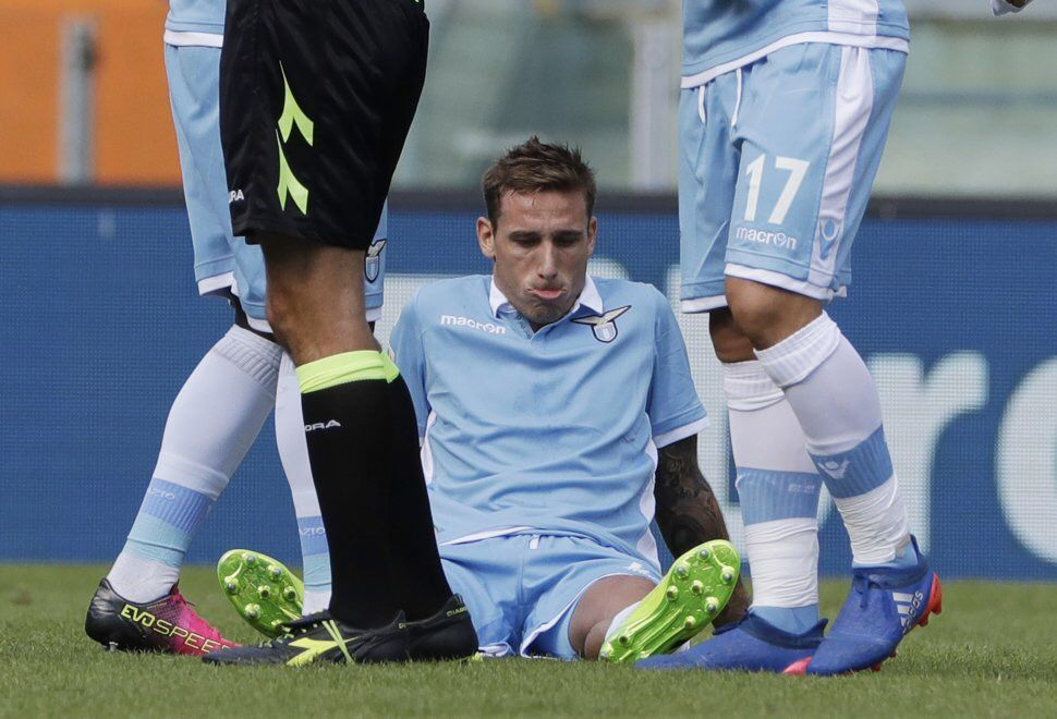 Lazio, Biglia rischia un lungo stop