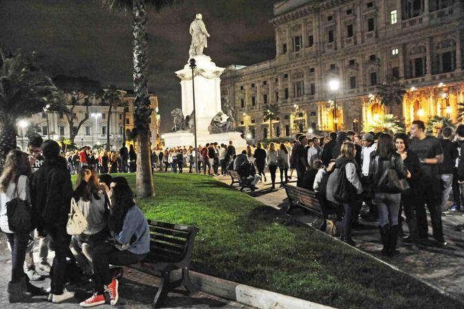Rissa con coltelli a piazza Cavour Feriti due minorenni