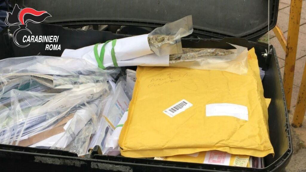 San Paolo, marijuana nascosta tra le lettere da consegnare: arrestato postino pusher