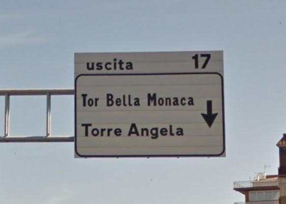 Tor Bella Monaca, fugge dalla polizia e si schianta contromano: morto 18enne