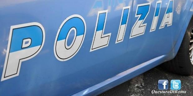Roma, aizzano i cani contro la Polizia: arrestati 2 spacciatori