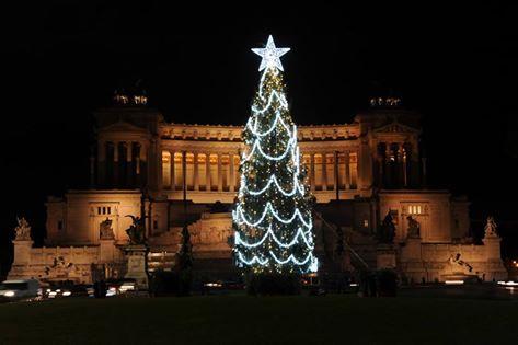 Albero di Natale 2016 di Piazza Venezia, restyling dopo le critiche