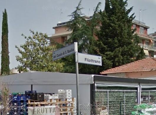 Via i negri: barricate razziste a San Basilio contro una famiglia extracomunitaria