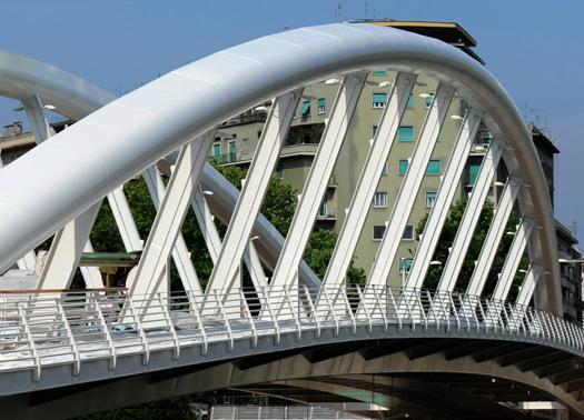Flaminio: cadavere di un uomo sotto il Ponte della Musica