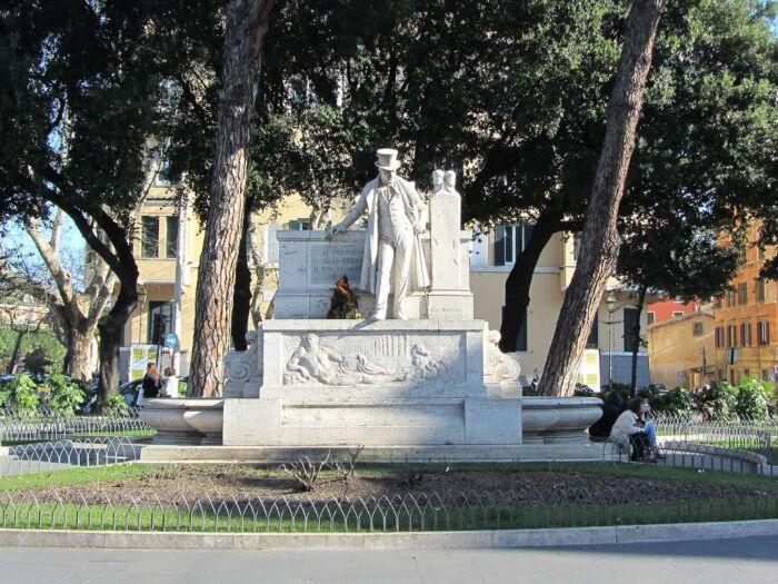 Derubano turista a Roma, carabinieri bloccano 5 minori