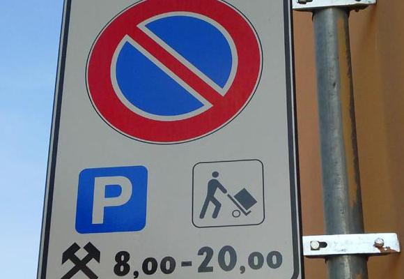 Parcheggio scarico merci
