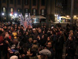 Sardine A Napoli La Manifestazione E Un Flop In Piazza Dante Meno Di 400 Persone Newsgo